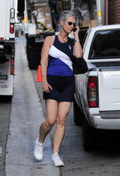 Jamie Lee Curtis - Candids Out In Beverly Hills - September 29