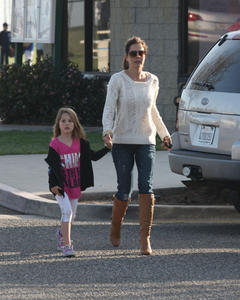 Брук Берк, фото 1450. Brooke Burke playing in the park with her kids in Malibu, february 20, foto 1450